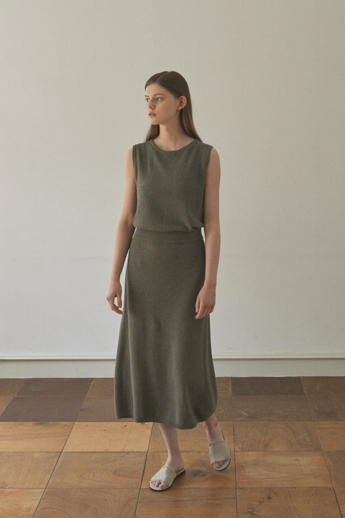 Glorious Moon linen skirt_Forest Khaki